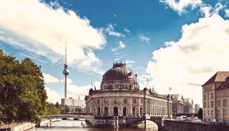 Berlin: 2 Tage im sehr guten 4* Hotel inkl. Zugfahrt für 94€ pro Person