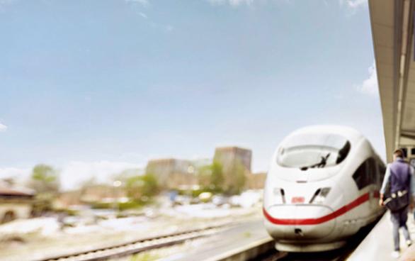 Bahnfart quer durch Deutschland und 6 Monate Maxdome für nur 59 Euro