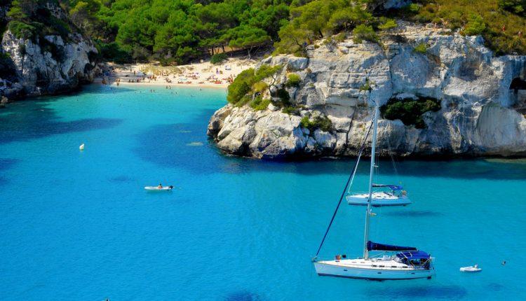 7 Tage Ibiza im Oktober – Flug und 3* Hotel mit Halbpension für 330€