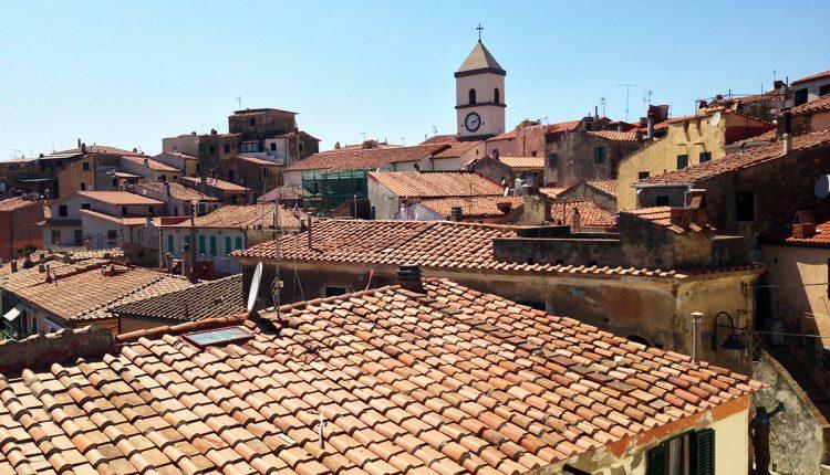 2 Tage Bergamo über Silvester: 4* Hotel mit Frühstück & Flug ab 193€