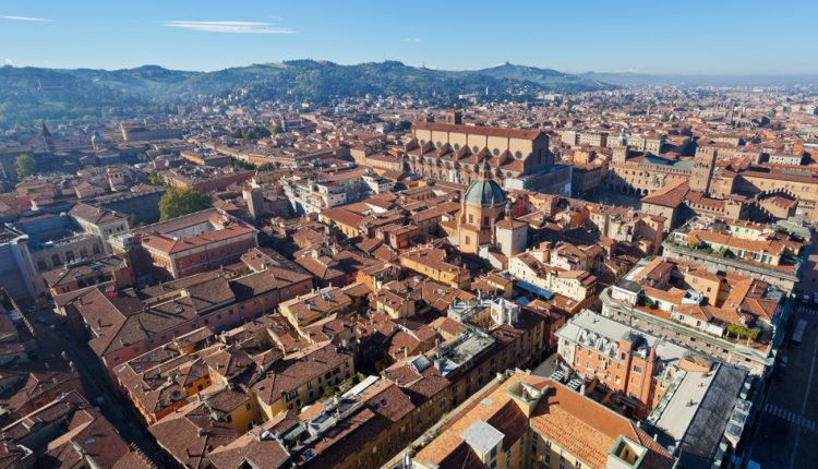 3 oder 4 Tage Bologna inkl. Flug und gutem 4* Hotel mit Frühstück ab 129€