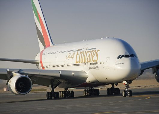 Emirates Sommertarife: Flüge ab 435€ inkl. Zug zum Flug, z.B. Dubai, Bangkok, Delhi, Johannesburg