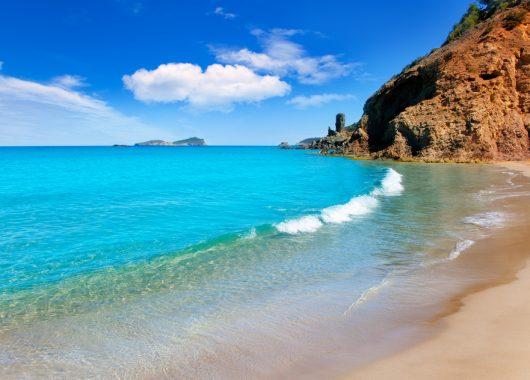 Single-Reise nach Ibiza: 1 Woche ALL INCLUSIVE im 3-Sterne Hotel mit Flug und Transfer ab 331€ | im DZ ab 321€ p.P.