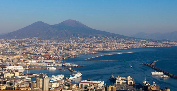 Ab-in-den-Urlaub.de: 7 Tage nach Neapel inklusive Flug ab 377 Euro