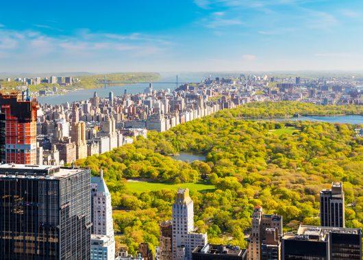 Für 4 Freunde: 7 Tage New York im Februar – Flug und 5* Hotel am Central Park für 861€