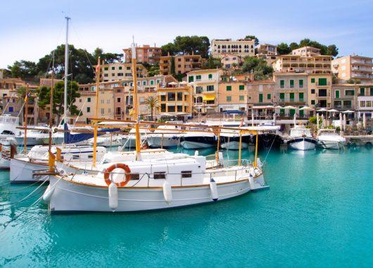 Eine Woche Porto Colom im 4* Hotel inkl. HP, Flug und Transfer ab 345€