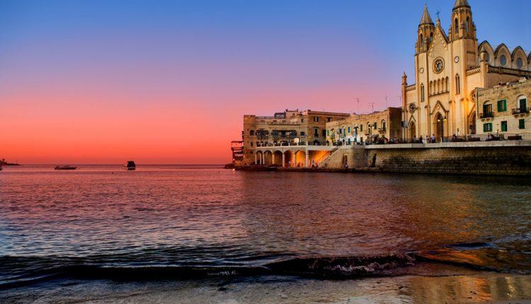7 Tage Malta im November: 4-Sterne Hotel inkl. Flug, Rail&Fly, Frühstück und Transfer ab 296€