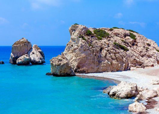Dem Weihnachtsstress entfliehen: 7 Tage Zypern im 5* Hotel mit HP und direkter Strandlage, Flügen und Transfer für 328€