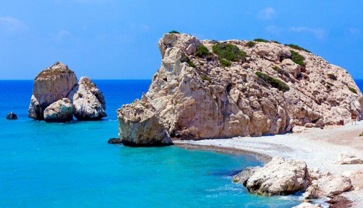 Ende November: 7 Tage Zypern im 4* Strandhotel inkl. Frühstück, Flug und Transfer für 179€