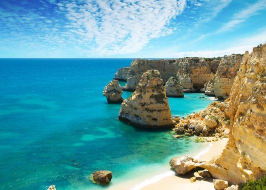 Für 8 Tage an die Algarve inkl. Flug, 4* Hotel mit Halbpension und Transfer ab 373€