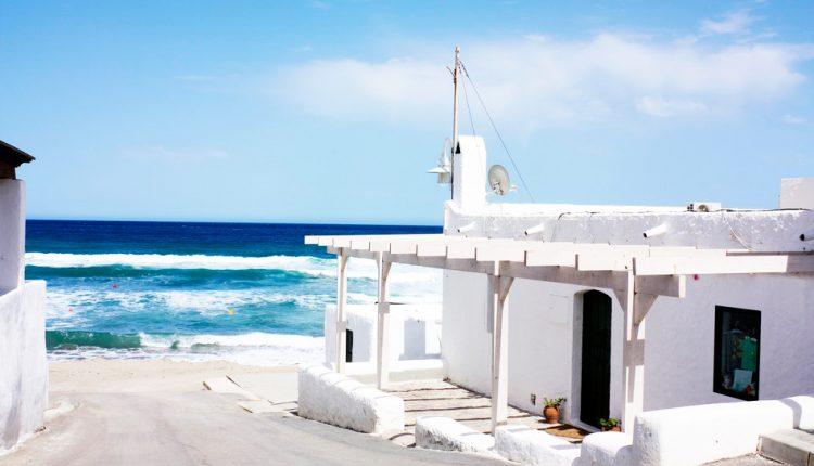 Aufwärmen im November: 7 Tage Costa de Almeria im sehr guten 4* Hotel mit Frühstück inkl. Flügen und Mietwagen ab 293€