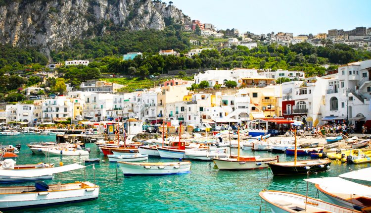 5 Tage Capri, Ischia: Flug und 4* Hotel mit Halbpension für 295€ ab Süddeutschland
