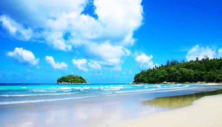 Herbst: 9 Tage Phuket im 3-Sterne Hotel inkl. Frühstück, Flug, Transfer und Zug zum Flug für 712€