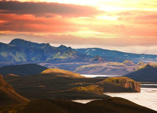 4 Tage Reykjavik Ende Mai: Zentrales 3* Hotel und Flug ab Berlin für 394€