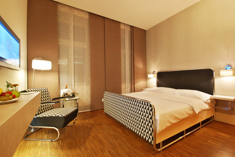 expedia exklusiv angebote z b 5 sterne hotel in berlin f r 49 euro die nacht. Black Bedroom Furniture Sets. Home Design Ideas
