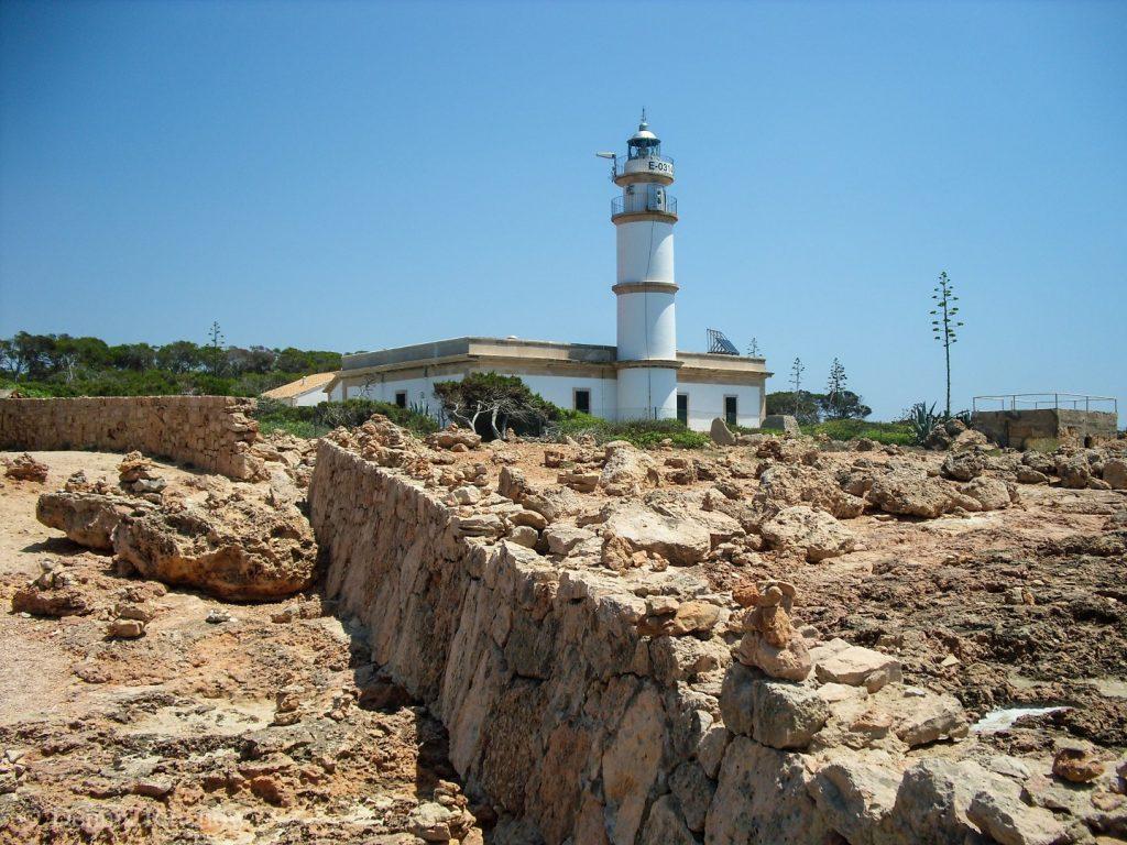 Der Leuchtturm am Cap de Ses Salines