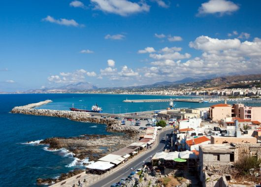 Frühbucher Kreta: 1 Woche im 3* Hotel inklusive Flug, Rail & Fly und Halbpension ab 290 Euro pro Person