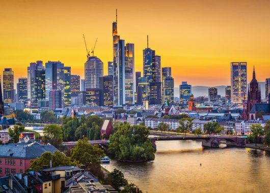 3 Tage Frankfurt im 4* Hotel mit Frühstück, Dinner, Citycard und Wellness für 94,99€ pro Person