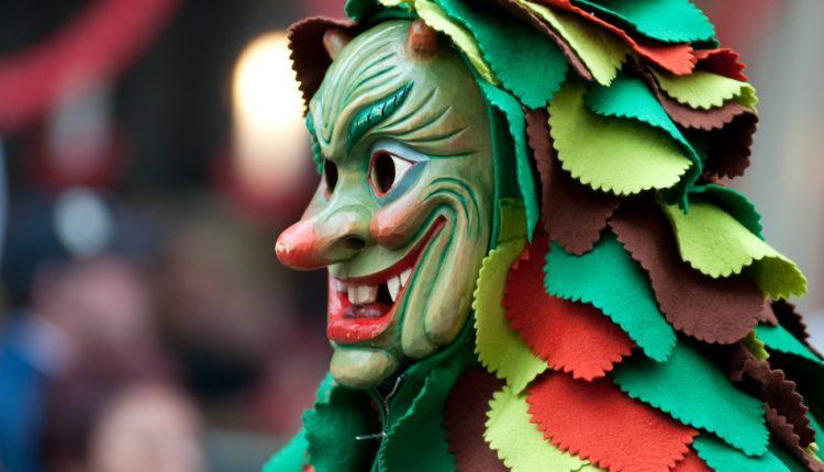 Rosenmontag 2015 in Köln: 3 Tage im 4* Hotel und Zugticket ab 158€
