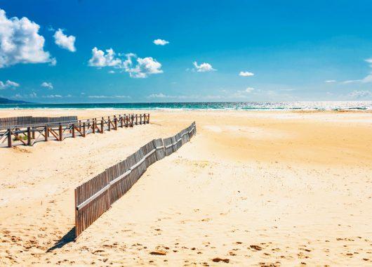 Costa de la Luz: 1 Woche im 4* Hotel inkl. Flügen, Transfers und Rail & Fly ab 294€