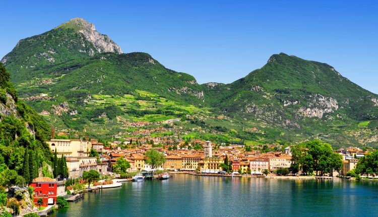 Urlaub am Gardasee: 4 oder 6 Tage im Hotel Costabella inkl. Halbpension ab 99€