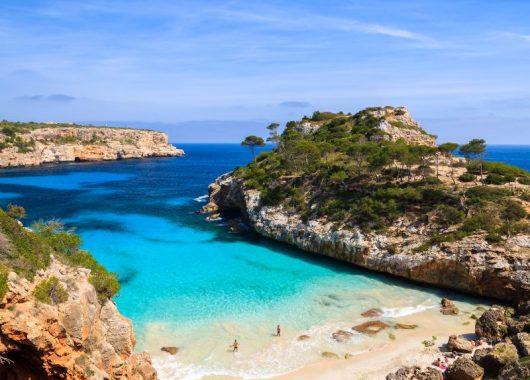 Mallorca: 7 Tage im guten Hotel inkl. Flug, Rail & Fly, Transfers und Halbpension ab 244€