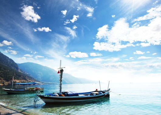 Eine Woche Mykonos im Mai: 3,5* Hotel inkl. Meerblick, Frühstück, Flug, Rail&Fly u. Transfer ab 359€