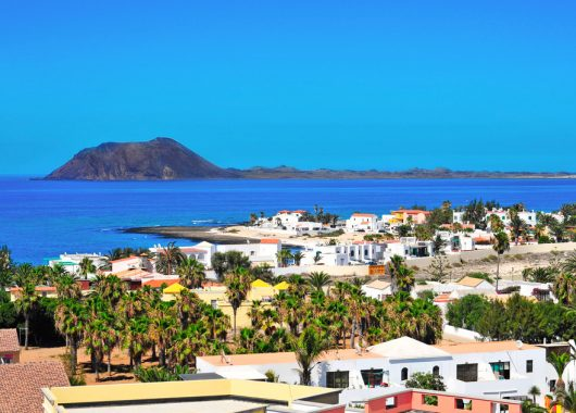 Lastminute: 1 Woche Fuerteventura im Apartment mit All Inclusive, Flug, Rail&Fly u. Transfer ab 368€
