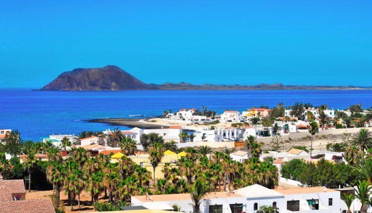 Lastminute: 2 Wochen Fuerteventura im 4* Hotel inkl. Halbpension, Transfer und Flug für 493€