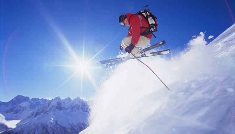 3 – 8 Tage im Skigebiet Axamer Lizum: Hotel direkt an der Piste inkl. Halbpension, Wellness & Skipass ab 245€ pro Person