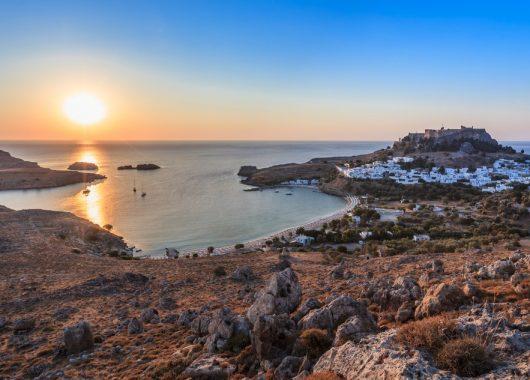 Rhodos: Eine Woche inkl. Flügen und gutem Hotel mit Frühstück ab 285€