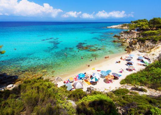 Chalkidiki: 1 Woche im 3*Hotel inkl. Flug, Frühstück, Rail & Fly und Transfers ab 375€