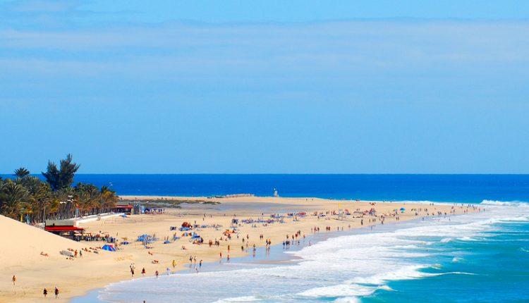 Im Juni: 9 Tage Playa de Jandia im Juni: 3,5* Hotel, Flug, Transfer & Zug zum Flug für 387€ ab Leipzig-Halle