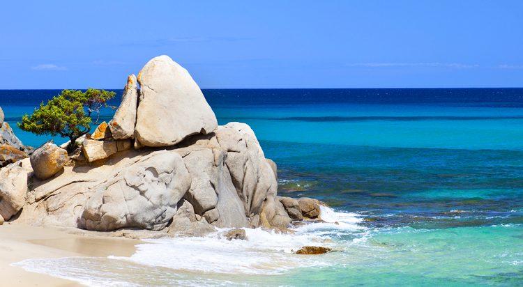 Kurzurlaub Sardinien im Oktober: 4 Tage im 4* Hotel mit Flug für 118€ p.P.