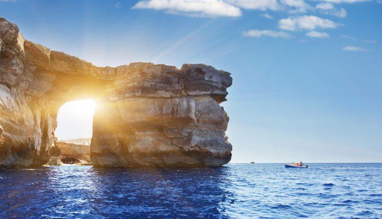 1 Woche Malta im Februar: 4* Strandhotel mit Halbpension, Wellness, Transfer und Flug für 298€ ab München