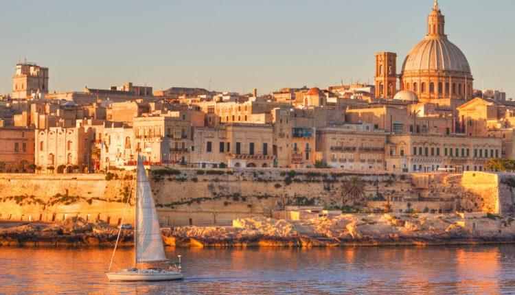 Malta: 8 Tage im 3* Hotel inkl. Flügen, Rail & Fly, Transfers, Halbpension und einer Hafenrundfahrt ab 299€