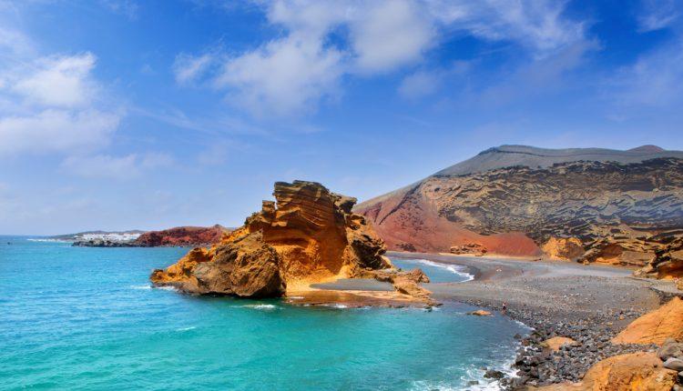 5 Tage Lanzarote im Dezember: Übernachtung im 3* Hotel, Flug und Transfer für 267€