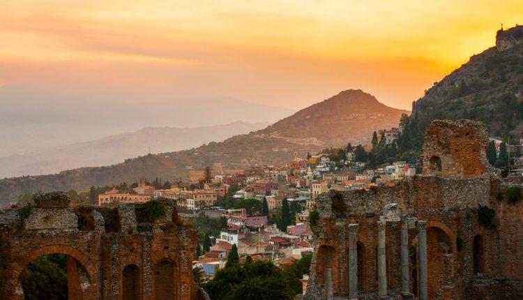 1 Woche Catania, Sizilien im Dezember: 4* Hotel inkl. Frühstück und Flug ab 377€