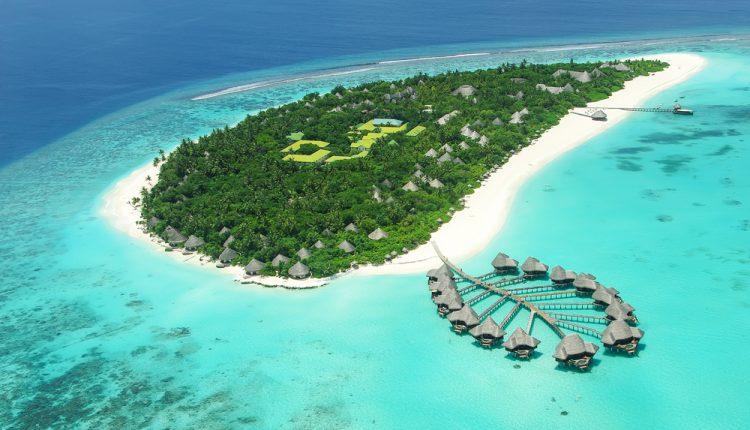 Frühbucher Malediven: 7 Tage im 4*Hotel inkl. Flügen, Halbpension, Transfers und Zugticket ab 1.199€