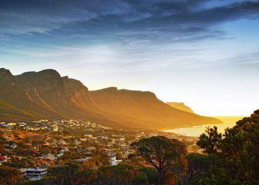Eine Woche Kapstadt im 4* Hotel inkl. Flug und Rail&Fly ab 890€