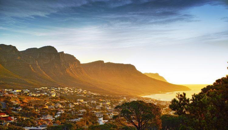 Im April nach Kapstadt: 7 Tage im 3,5*Hotel inkl. Flüge und Frühstück für 677€ p.P.
