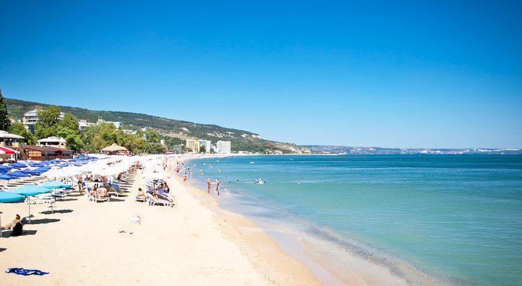 Sonnenstrand: 1 Woche im 4*Hotel mit All In, Flügen, Zug zum Flug & Transfers ab 313€