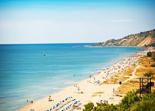 Bulgarien: 1 Woche All Inclusive im 4* Hotel inkl. Flug, Rail & Fly und Transfer ab 290€