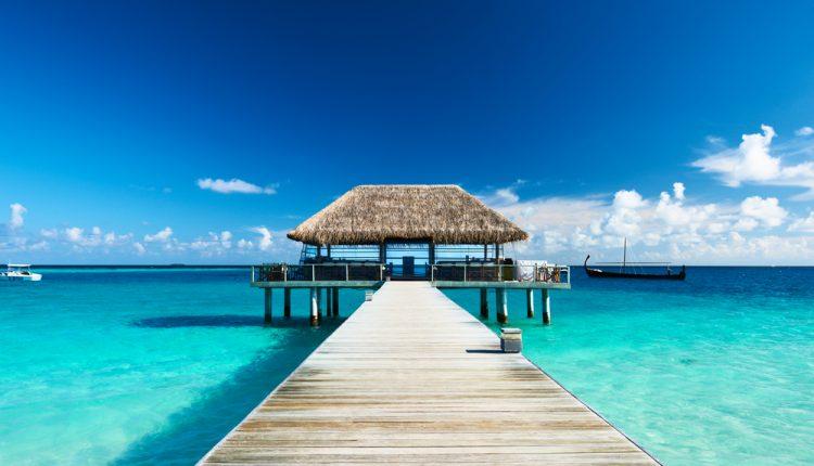 2 Wochen Malediven inkl. Halbpension, Flug, Rail&Fly und Transfer ab 1486€