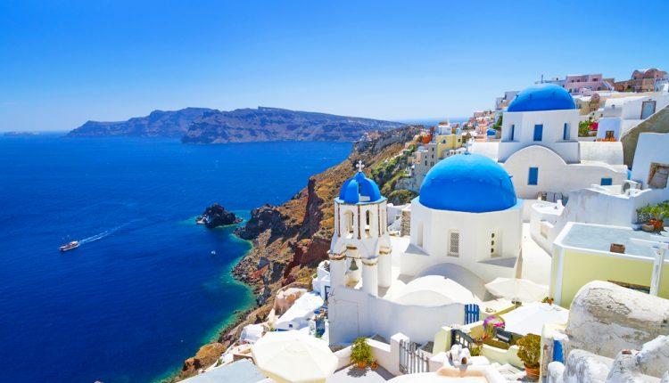 1 Woche Santorini im April: Hotel mit Frühstück, Flug & Transfer ab 357€