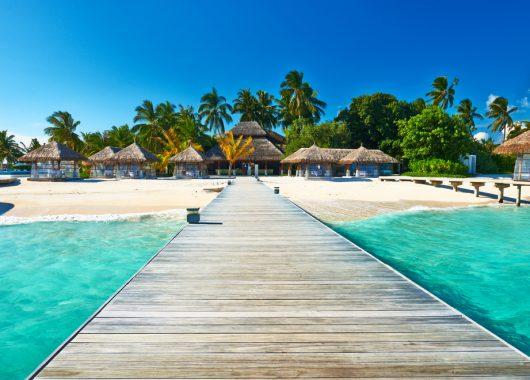 Frühbucher: 9 Tage Malediven im 3* Hotel mit All In, Flug, Rail&Fly und Transfer ab 1373€