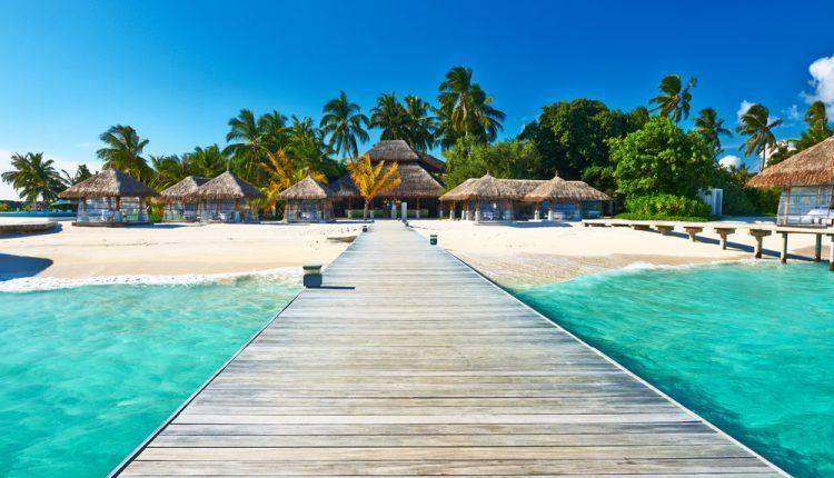 2 Wochen Malediven im 3* Hotel inkl. Vollpension, Flug, Rail&Fly und Transfer ab 1379€