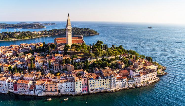 Kroatien: 4 bis 8 Tage auf der Insel Rab im 3*Hotel mit Halbpension, Parken und WLAN für 99€