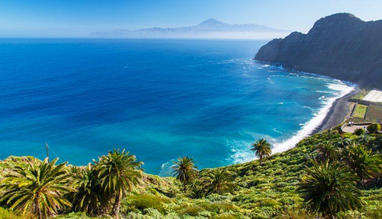 TUI Deal: Eine Woche Teneriffa im luxuriösen 5-Sterne Hotel mit Meerblick inkl. Flügen, Transfer und Zug zum Flug ab 574€