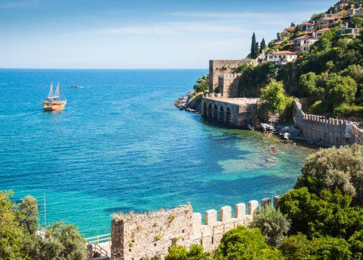 Türkei: 1 Woche im 3* Hotel inkl. Flug, Transfer und Halbpension ab 321€